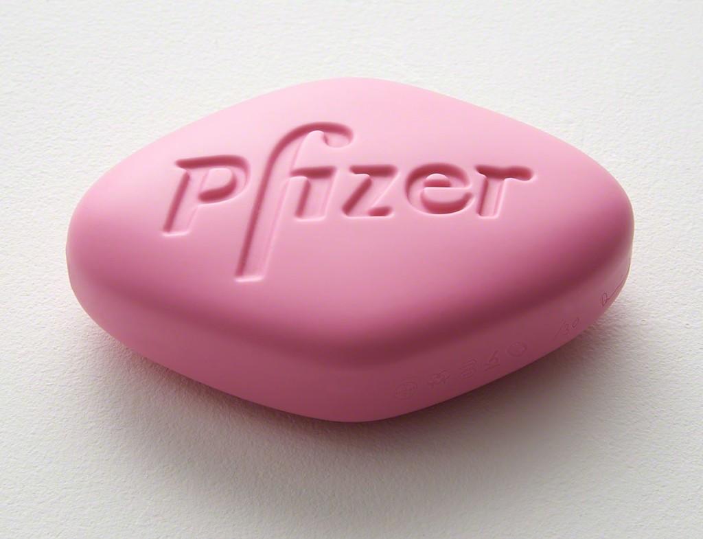 Pfizer VGR 100mg Pink by Damien Hirst